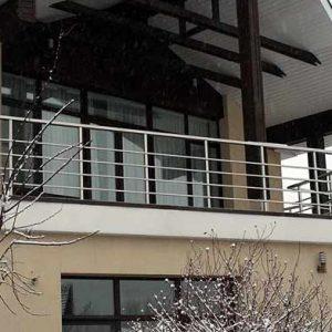 Ограждение балкона из 4-х ригелей Н-ОБ-1