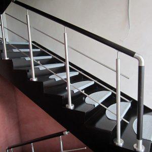 Перила лестничные с деревянным поручнем Н-ПДП-12